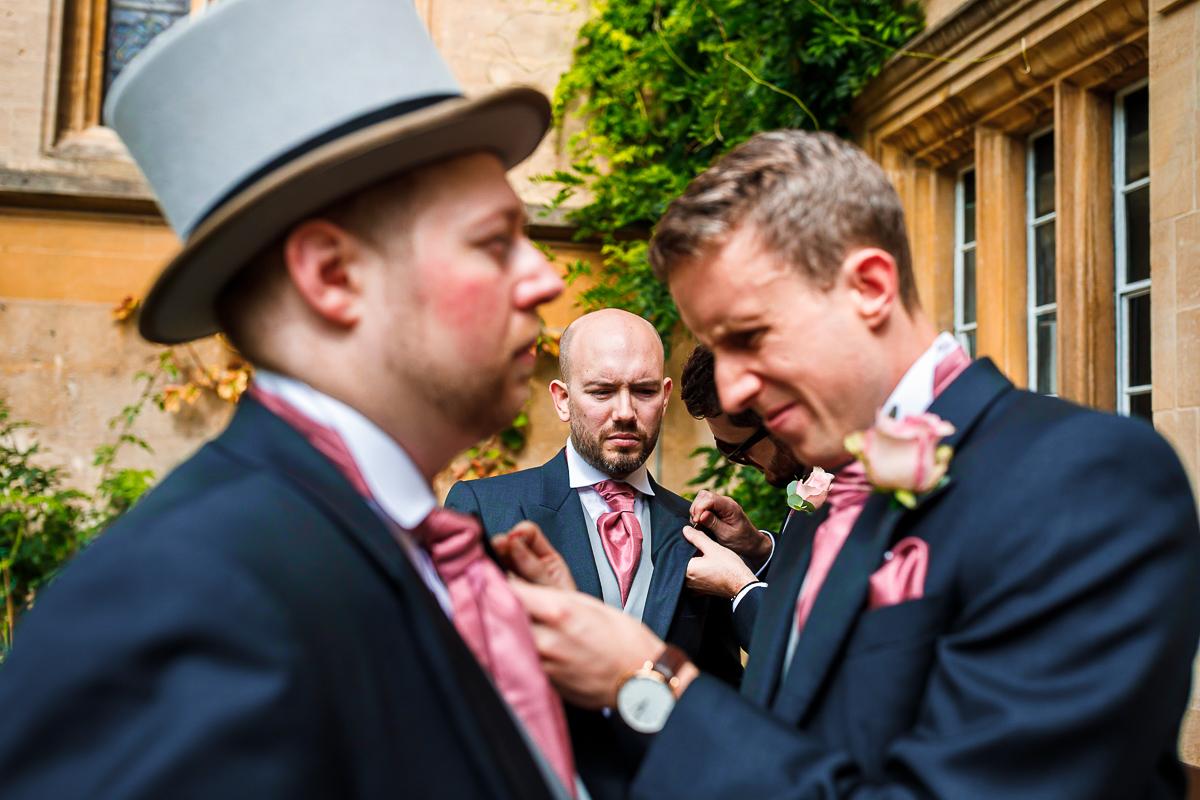 wedding-groom-groomsmen